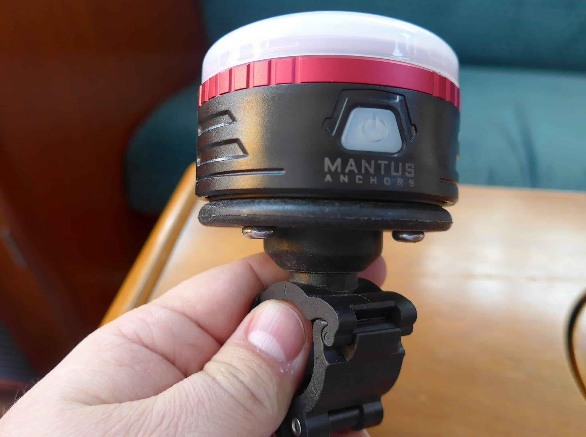 Mantus Snap-On Light Front