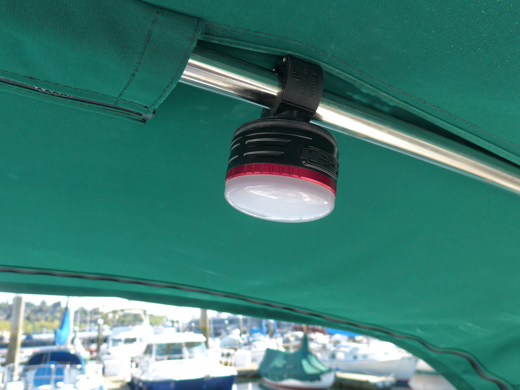 Mantus Snap-On Light Mounted Above