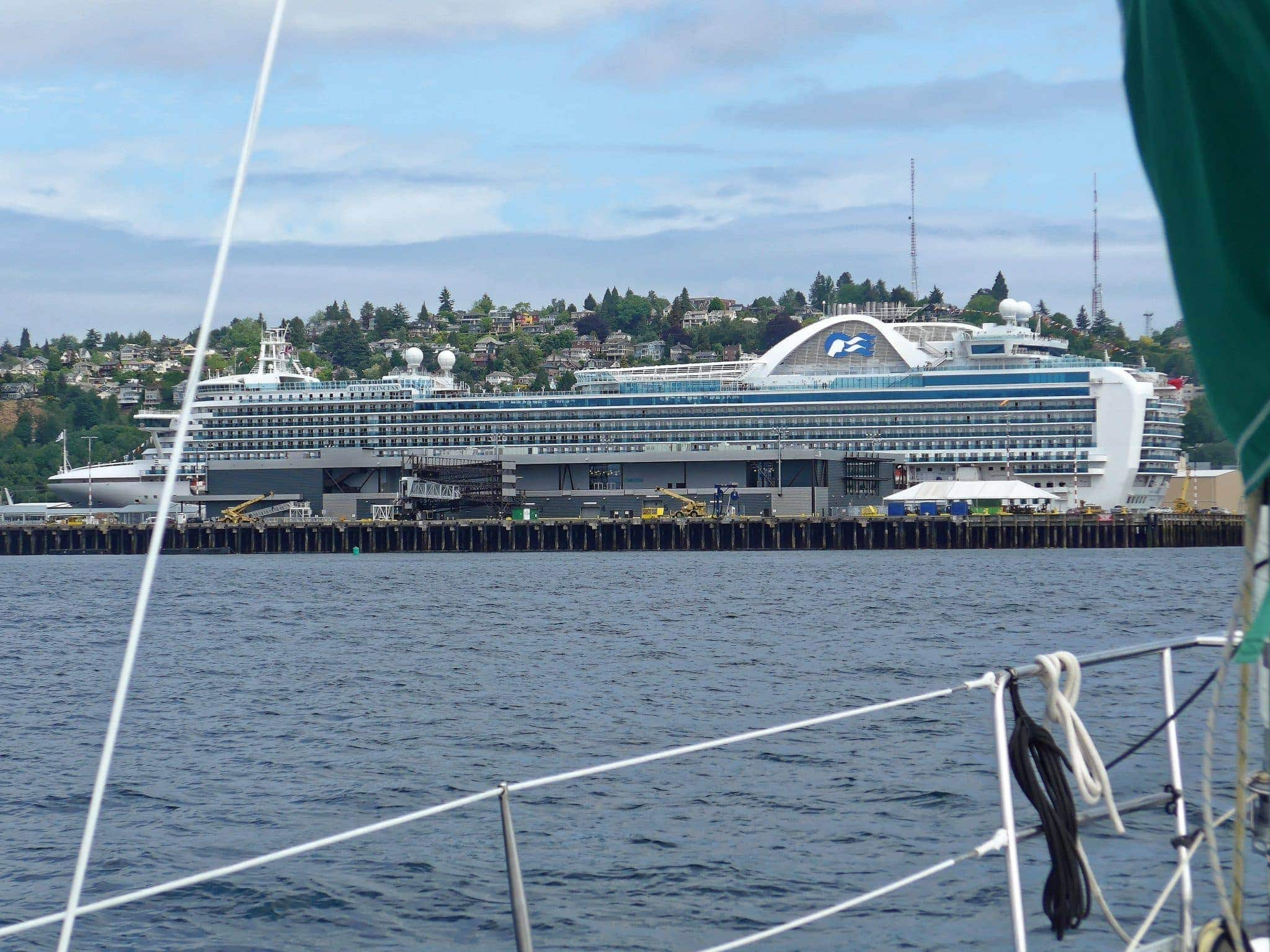 Cruise ships back already at Elliott Bay?