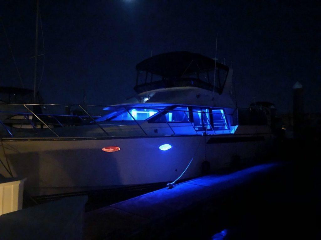 03-LED-light-boat-dock