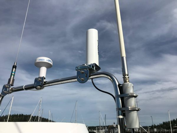 Best LTE antenna and booster for the boat